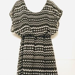 Pinc black and white dress size S